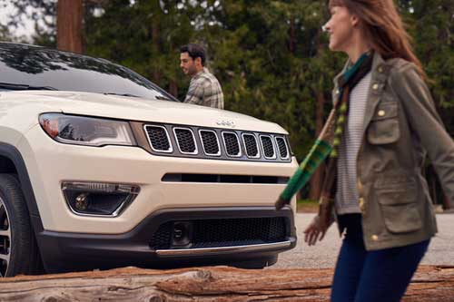 Jeep_Compass_InteriorTechnology_KEYLESS-ENTERN-GO_web