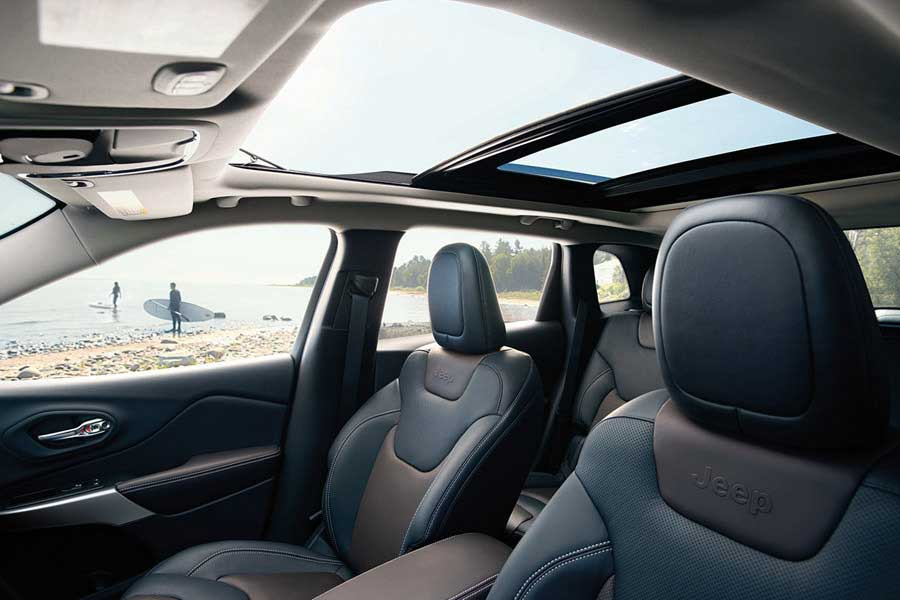 Jeep_Cherokee_Exterior_COMMANDVIEW_POWER_SUNROOF-web