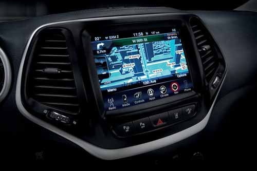 Jeep_Cherokee_Technology_UCONNECT_MULTIMEDIA_CENTRE_web