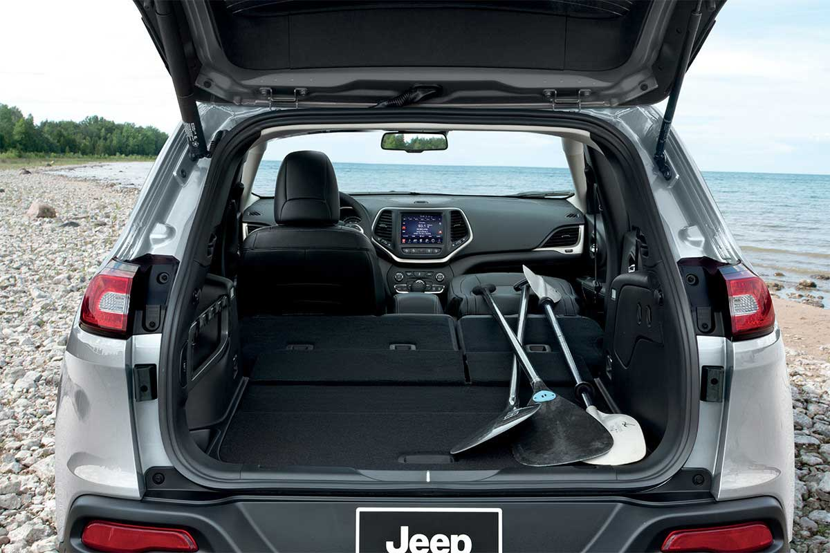 Jeep_Cherokee_Interior_ROOM_FOR_MORE_web