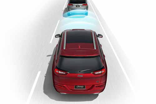 Jeep_Cherokee_Safety_FORWARD-COLLISION-WARNING_web