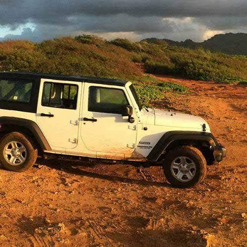 Jeep-Wrangler-JK-Key-Features-Sport-Command-Trac-4x4-System-web