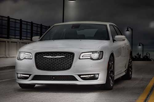 Chrysler-300-exterior-features-lighttheway-web