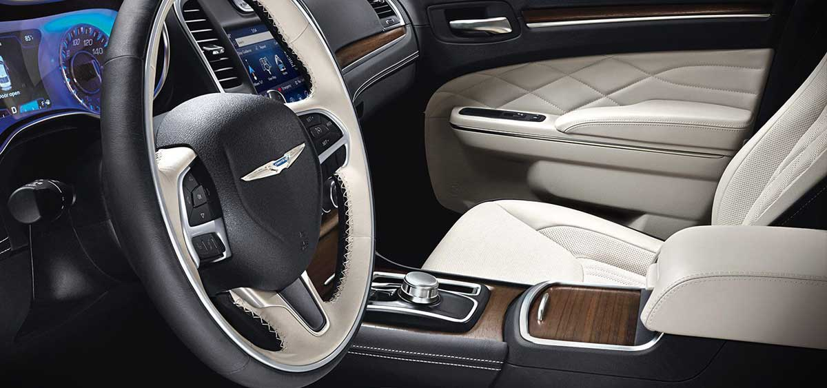 Chrysler-300-interior-300cplatinum-web