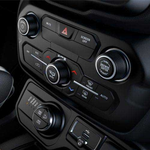 Jeep-Renegade-Interior-Details-Dual-Zone-Climate-Control-web