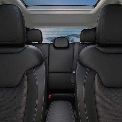 Jeep-Renegade-Interior-Details-Heated-Seats-web