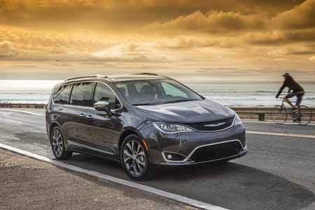 Chrysler-Pacifica-Performance-Features-stop-start