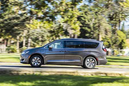 Chrysler-Pacifica-Hyb-Safety-Features-safety