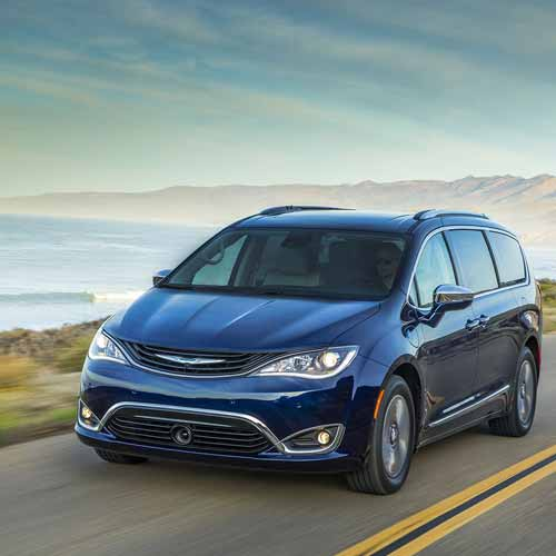 Chrysler-Pacifica-Hyb-Key-features-3