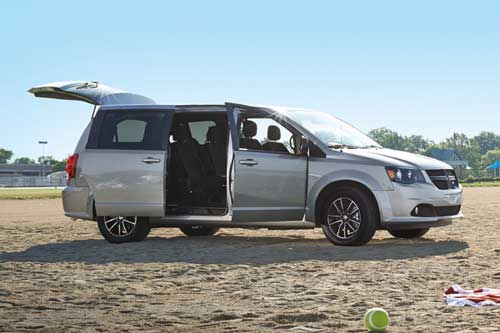 Grande-Caravan-Exterior-feature-power-liftgate