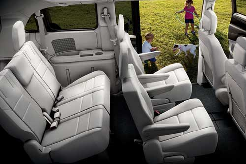 Grande-Caravan-Interior-feature-seating-storage