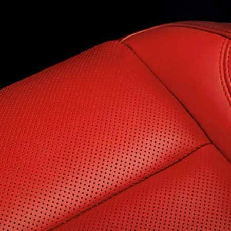 Dodge-Challenger-Interior-Seats