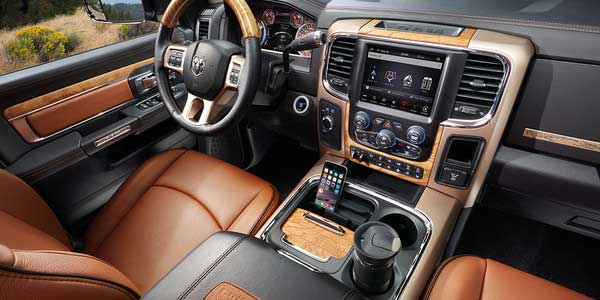 ram-2500-interior-feature-comfort-and-convenience