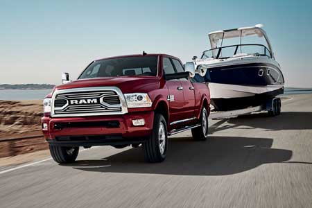 ram-2500-feature-capability-best-in-class-gas-towing