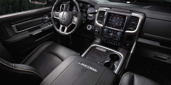 ram-3500-interior-features-bright-cabin-personal-warmth