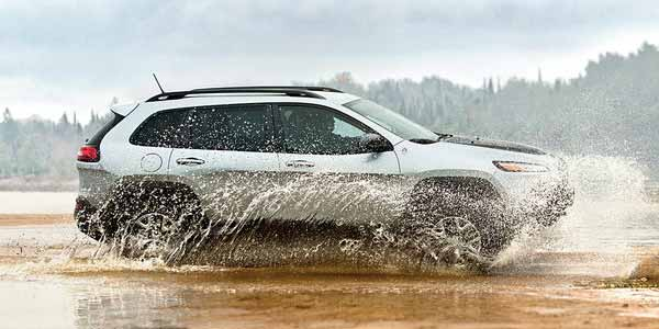 jeep-4x4-WATER-FORDING