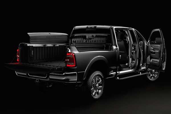 2019-ram-2500-exterior-design-doors-600x400