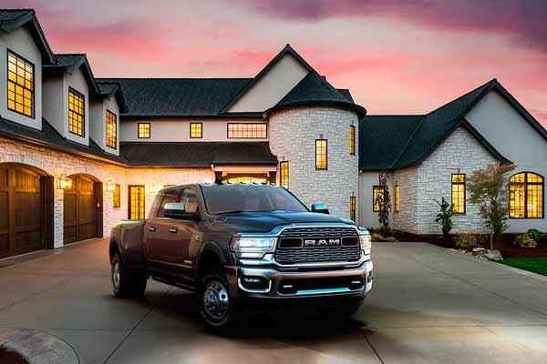 2019-ram-3500-exterior-bold-look