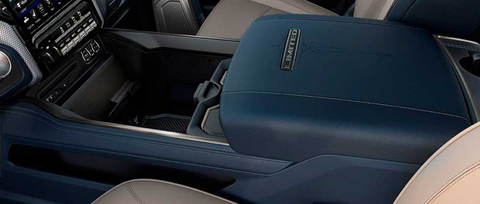 2019-ram-chassis-cab-interior-console