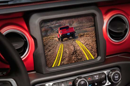 jeep-gladiator-exterior-features-trailcam