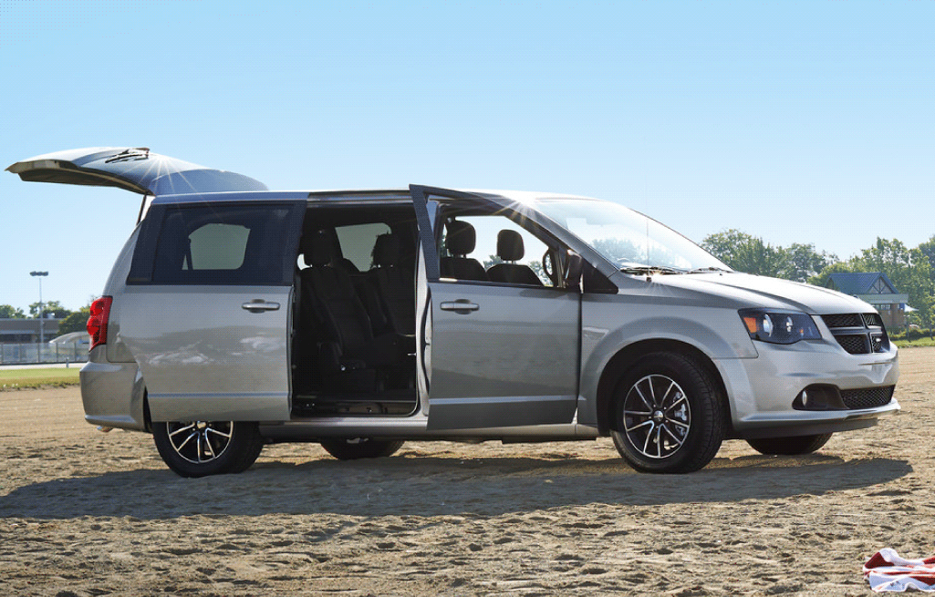 CD-Sept-2020-Blogs-2020-Dodge-Grand-Caravan-Feature 1